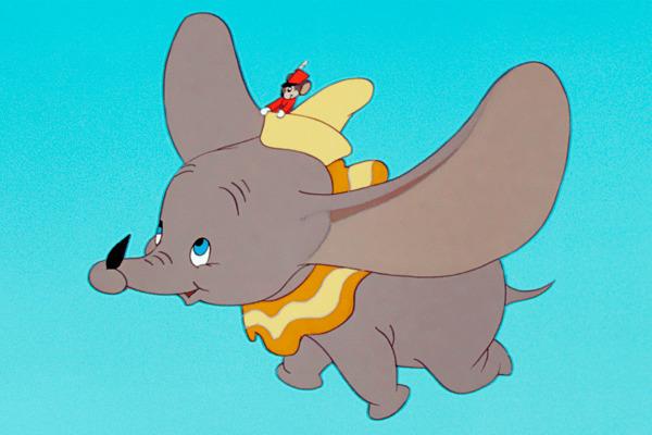 Un elefante volando