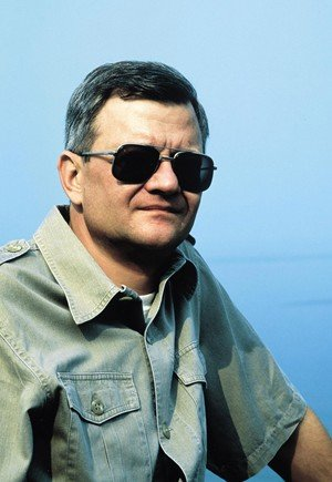 Tom Clancy, autor de best-sellers de espionaje