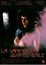 La vampiresa guía el baile
