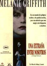 Una extraña entre nosotros (1992)