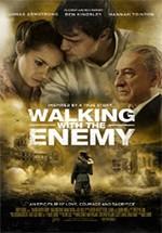Al lado del enemigo (2013)